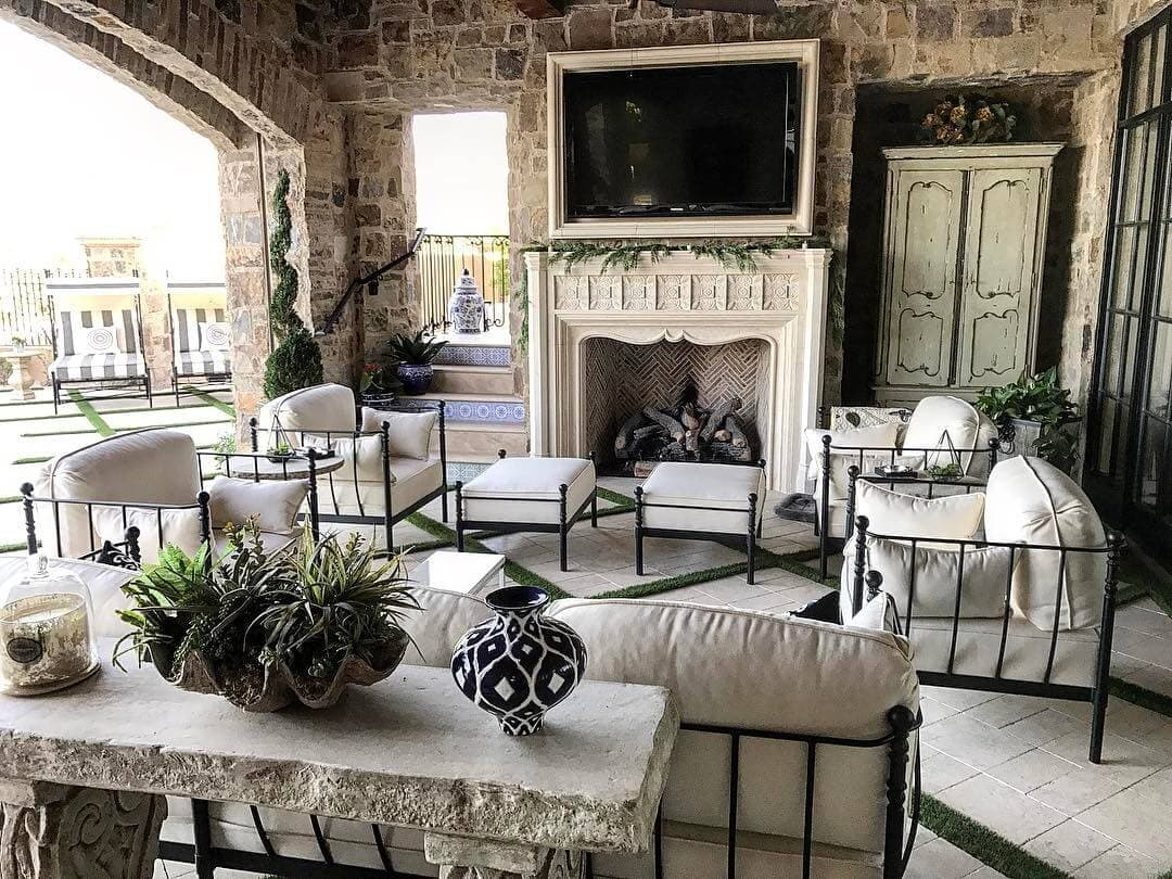 Outdoor Living Spaces: Create a Focal Point